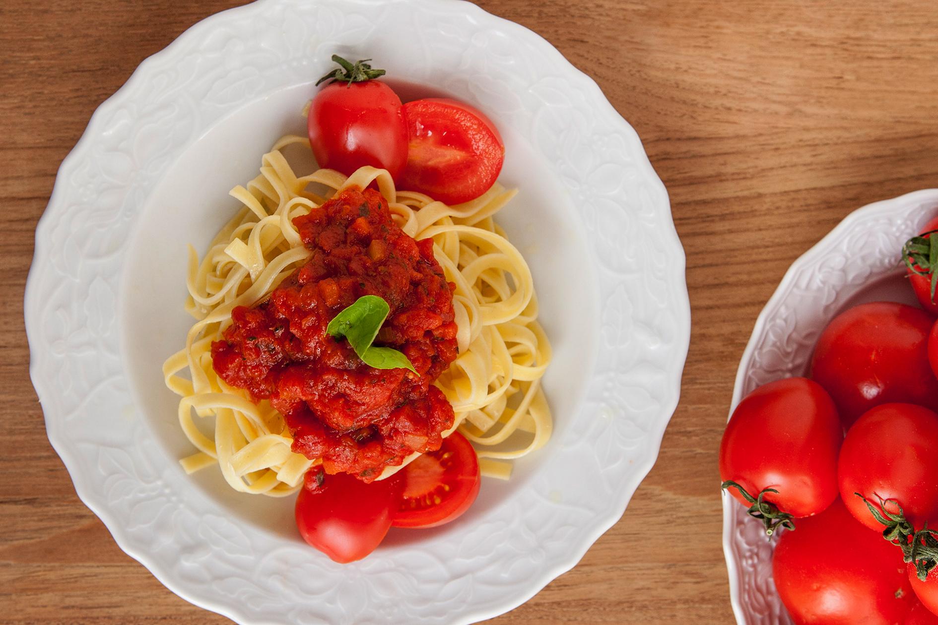 jamie oliver pasta sauce lifestyle jason b graham. Black Bedroom Furniture Sets. Home Design Ideas
